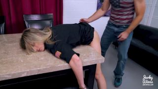 720p – Tied To The Table