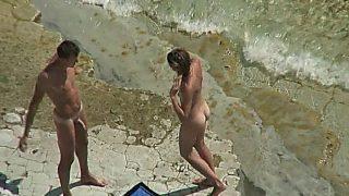 Female – Amateur Couple – Public Sex On The Beach