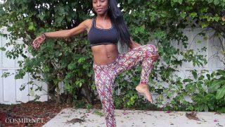 Erotic – Slim Ebony Babe Naked Outdoors