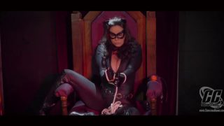 Female – Superheroine Catwoman Is Put Through Series Of Hogties